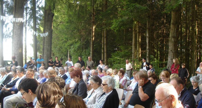 Messe en plein air à Ruaux